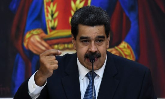 Latest US Sanctions Could Bring Venezuelan Economy to 'Grinding Halt'