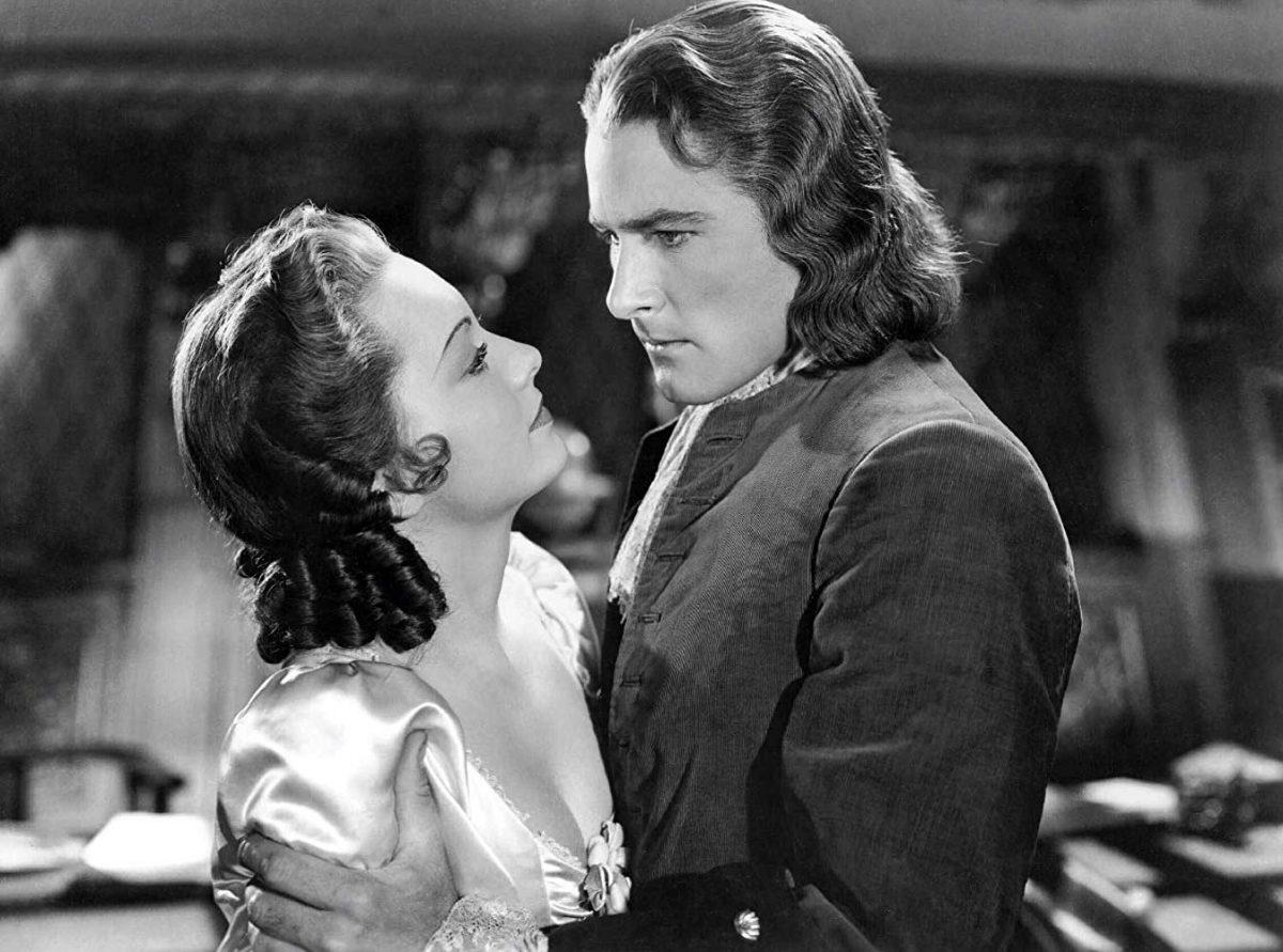 Olivia de Haviland and Errol Flynn in Captain Blood