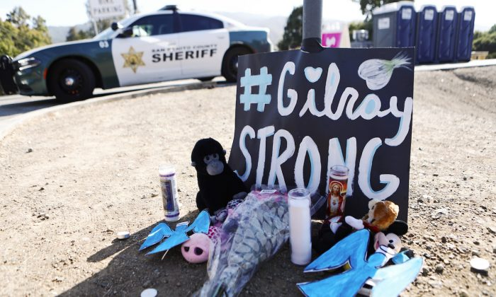 A makeshift memorial is seen outside the site of the Gilroy Garlic Festival, after a mass shooting took place in Gilroy, California, on July 29, 2019. (Mario Tama/Getty Images)