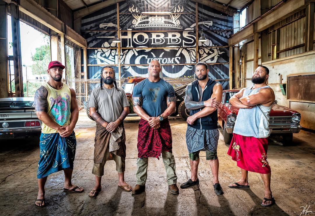 5 large Samoans with tats