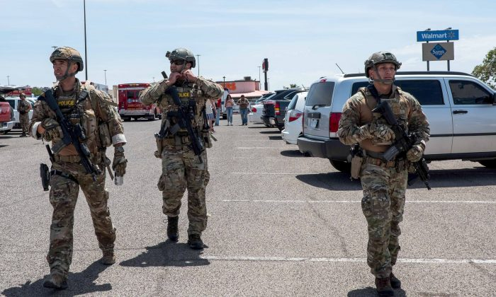 Law enforcement officers responding to an active shooter situation at a Walmart near the Cielo Vista Mall in El Paso, Texas on Aug. 3, 2019. (Joel Angel Juarez/AFP/Getty Images)