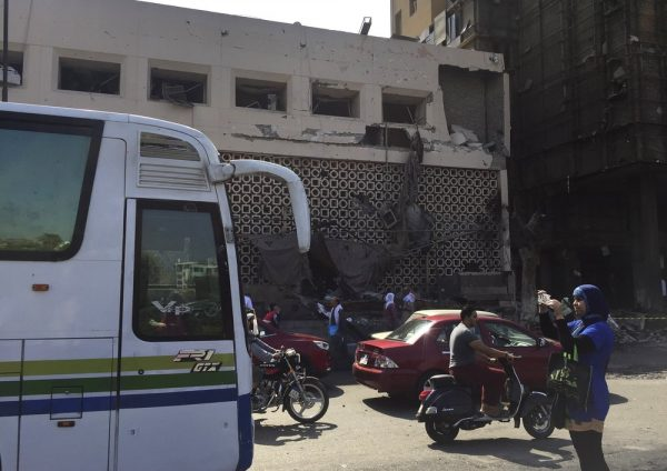 Cairo car crash 2
