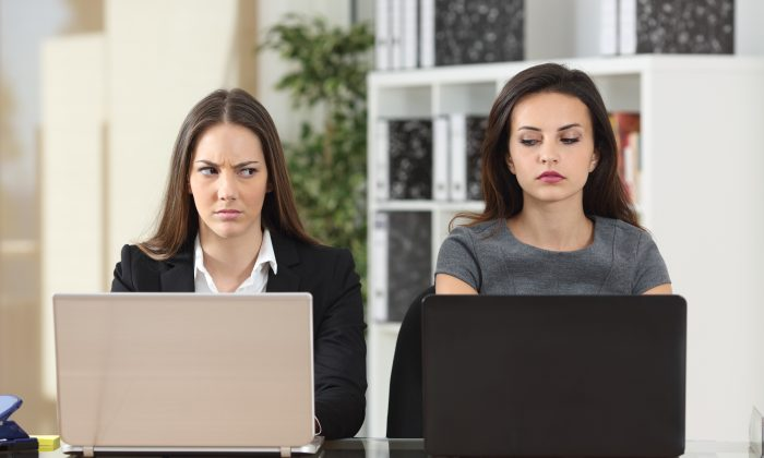 Learning how to foster a better connection with co-workers can help you avoid difficult relationships and form stronger bonds. (Shutterstock)