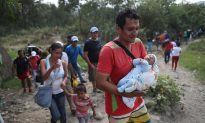 Colombia to Give Citizenship to Babies of Venezuelan Migrants