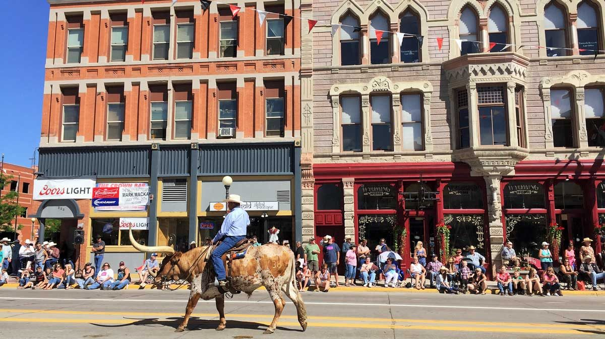 cheyenne-frontier-day-parade