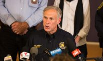 Texas Governor Orders Self-Quarantine for Anyone Traveling Into State From Louisiana