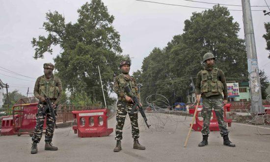 Pakistan Says 3 Soldiers Killed in Kashmir Cross-Border Clash