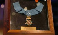 Soldier Who Refused to Carry a Weapon Saves the Lives of 75 Men–Presented With Medal of Honor