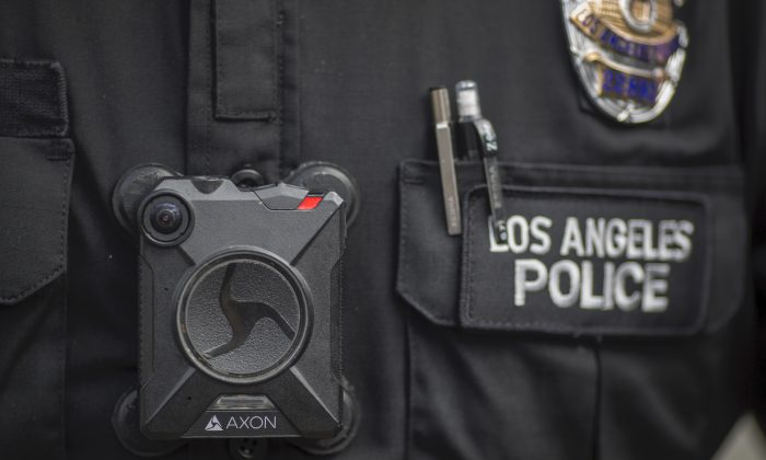 A Los Angeles police officer wears a body camera in Los Angeles on Feb. 18, 2017. (David McNew/Getty Images)