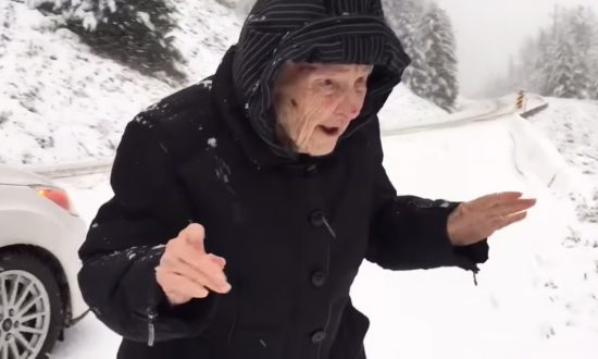 101-Year-Old Mom Wants to Get Out of the Car, but What She Does Wins Internet's Heart