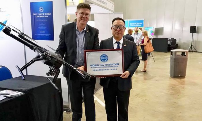 Queensland Member of Parliament Rob Molhoek MP (L) supports Mr Yang's launch of the Queensland chapter of the World UAV Federation in Brisbane, Australia, on Aug. 9., 2018. (Courtesy of Rob Molhoek/Facebook)