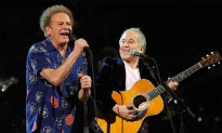 Simon and Garfunkel Break 'Sound of Silence' on Stage After 45 Years, Stunning Audience