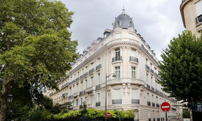 An apartment building owned by Jeffrey Epstein in the 16th arrondissement of Paris, on Aug. 12, 2019. (Jacques Demarthon/AFP/Getty Images)