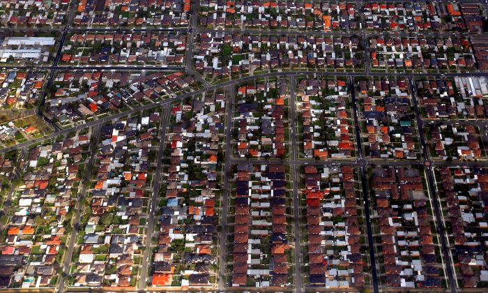 An aerial view of houses located in Sydney's eastern suburbs, Australia on June 5, 2014. (David Gray/Reuters)