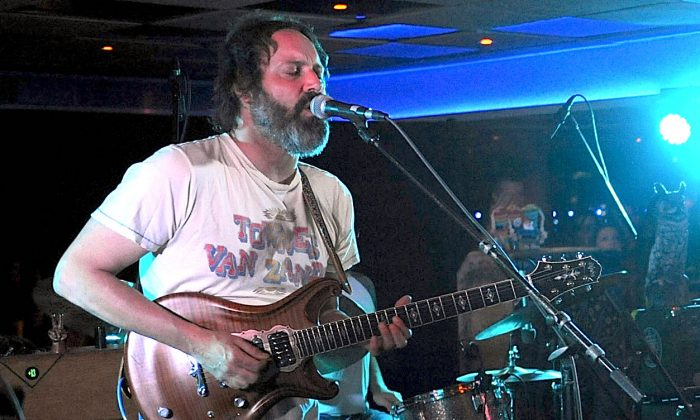 Guitarist Neal Casal performs on stage at Luxury Infinity Yacht in New York, on June 6, 2014. (Brad Barket/Getty Images)
