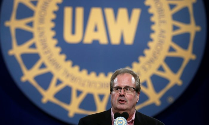 United Auto Workers (UAW) union President Gary Jones addresses UAW delegates at the 'Special Convention on Collective Bargaining' in Detroit, Michigan, U.S. on March 13, 2019. (Rebecca Cook/Reuters)