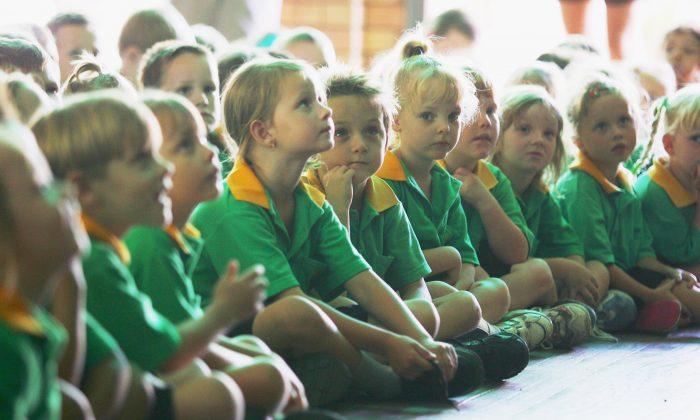 Primary school children in Mackay, Australia on Feb. 8, 2006. (Jonathan Wood/Getty Images)