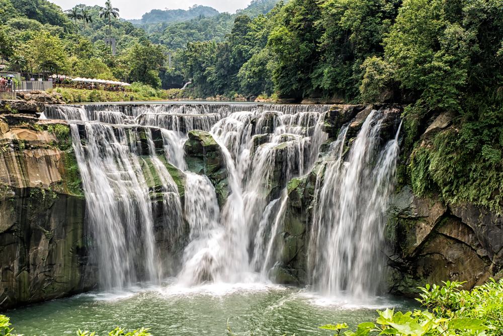 shifen waterfall in pingxi