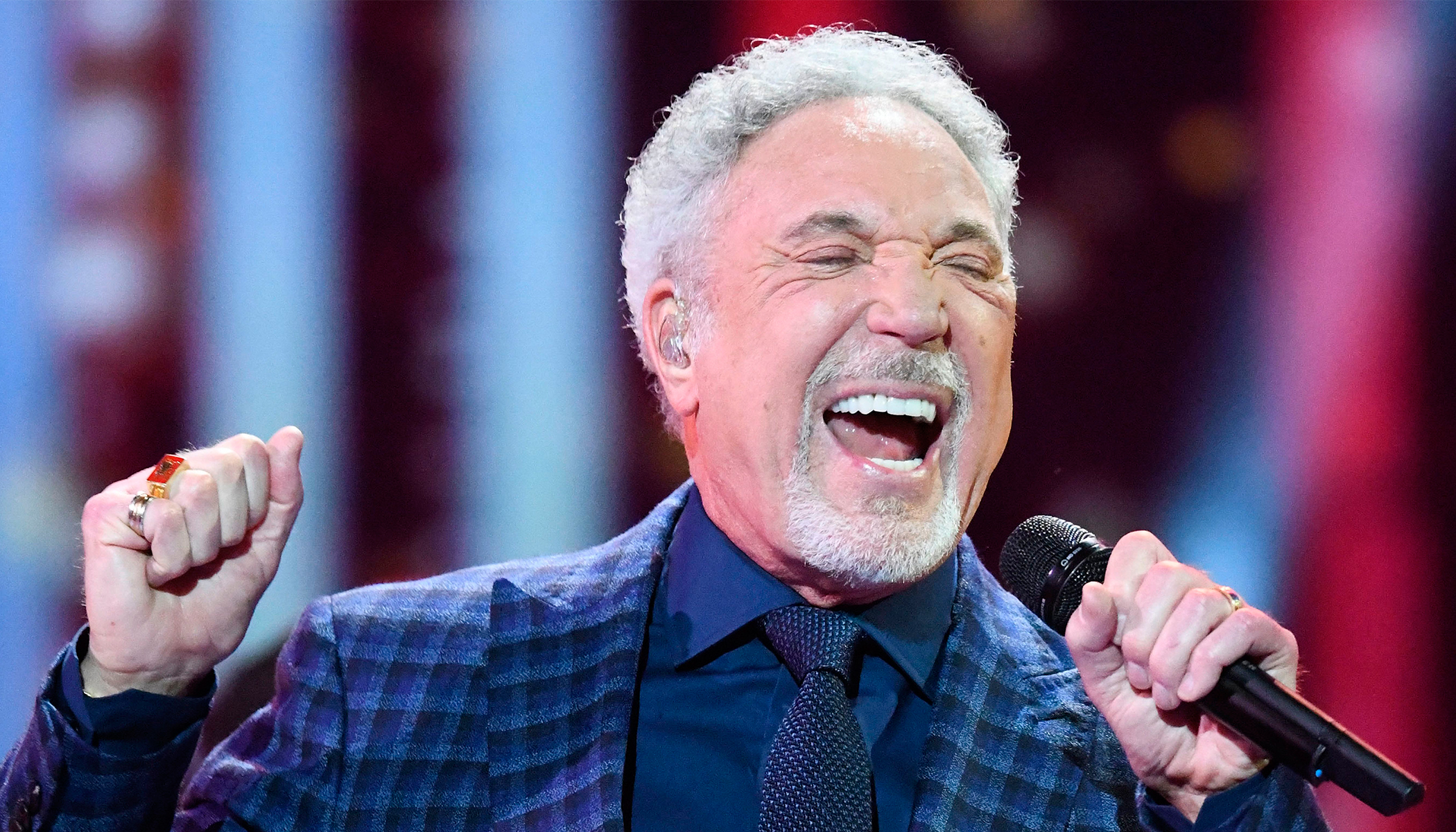 Woman Goes for Blind Audition at Voice UK but Gets an Epic Duet With Sir Tom Jones