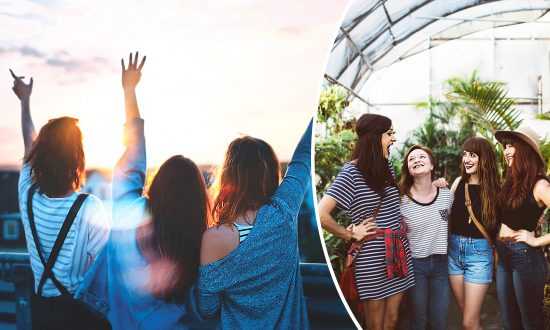 Girls' Trips Are Great for Your Mental Health, So Pack Your Suitcase, According to Science