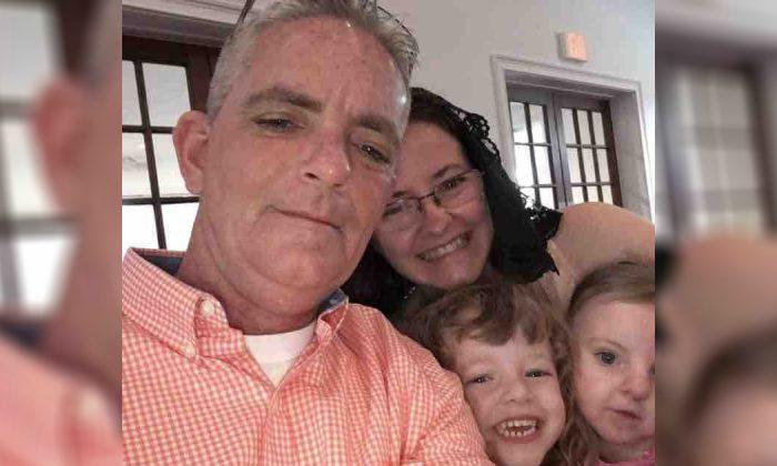 An undated photo of US Navy veteran David Ireland (L) with his family in Orlando, Fla. (Courtesy of Daniel Ireland/Gofundme)