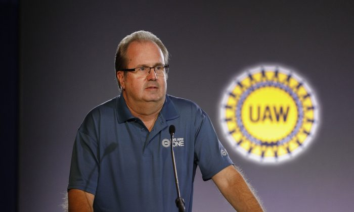 United Auto Workers President Gary Jones speaks at the opening of open the 2019 GM-UAW contract talks in Detroit, Mich. On July 16, 2019. (Bill Pugliano/Getty Images)
