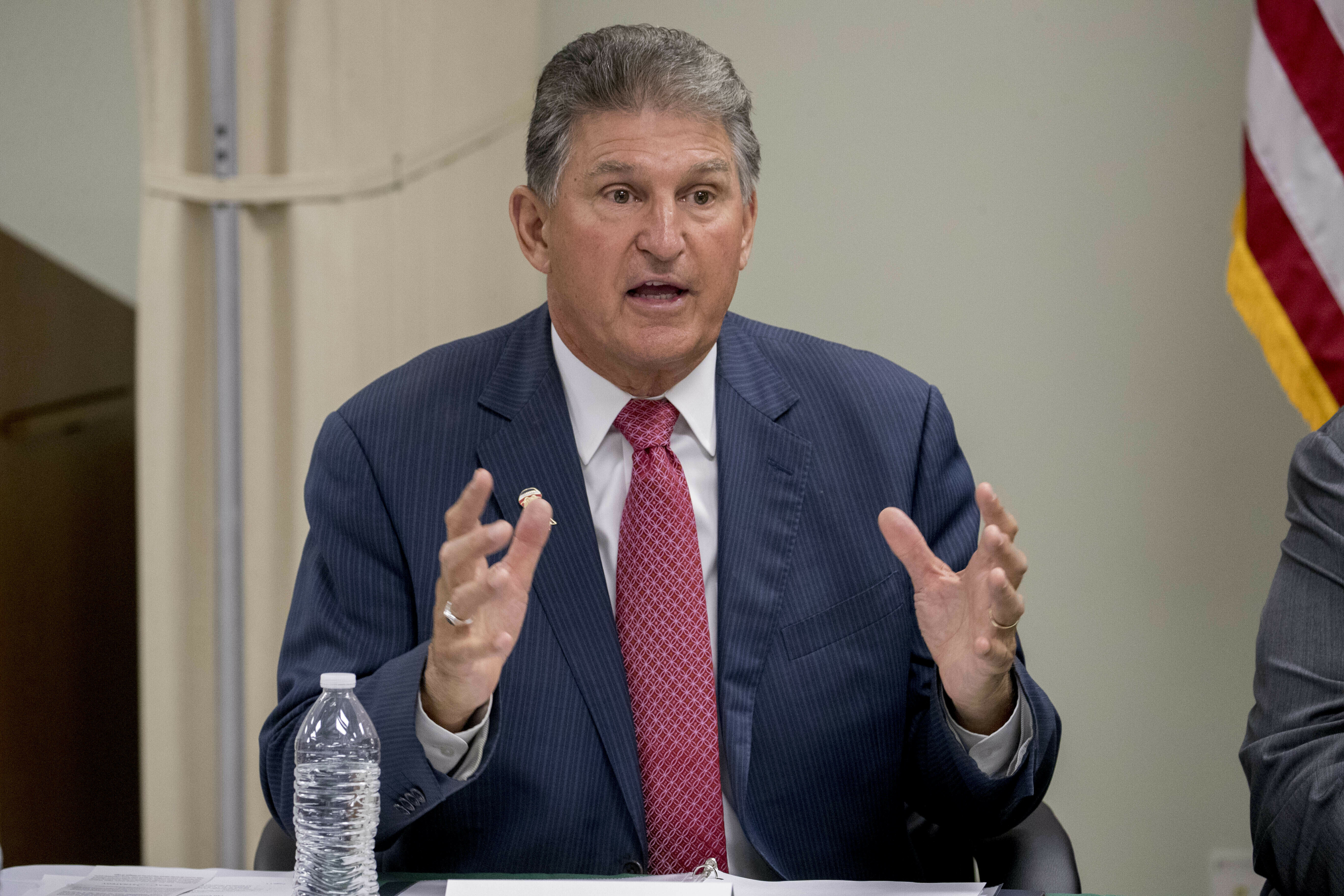 Manchin Passes on Run for West Virginia Governor, Says He'll Stay in Senate