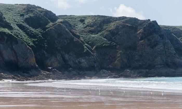 Jersey's Plemont beach at low tide. (Rachael Dymski)