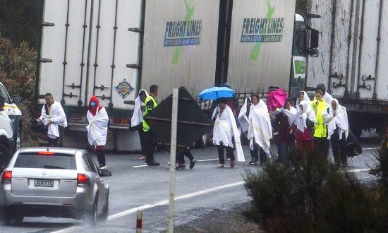 Tour Bus Crashes on Wet New Zealand Road, 5 Chinese Killed