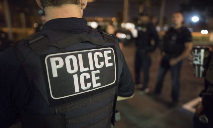 U.S. Immigration and Customs Enforcement (ICE) Officers on March 20, 2019. (ICE/Flickr)