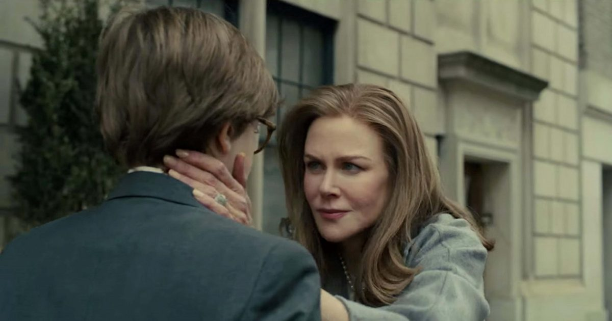 Nicole Kidman comforting Oakes Fegley in The Goldfinch