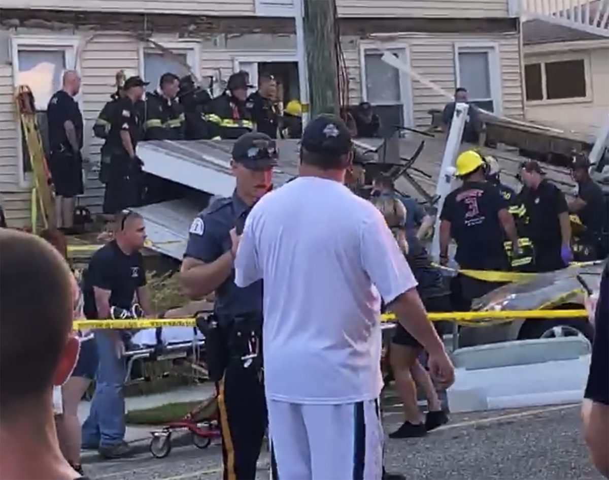Decks Collapse in New Jersey, 22 People Injured