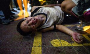 Hong Kong Police Accused of Discriminatory Treatment During Clashes Between Pro-Beijing and Pro-Democracy Protesters