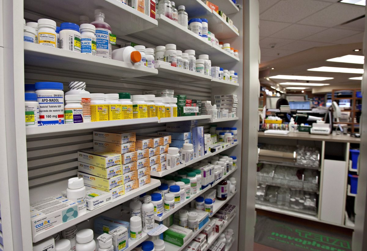 A shelf of drugs at a pharmacy in Quebec City in a file photos. (THE CANADIAN PRESS/Jacques Boissinot)