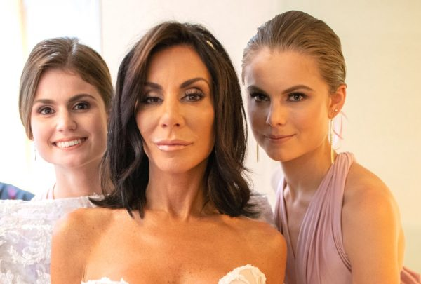 Danielle Staub with daughters