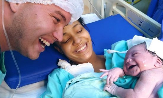 Newborn Baby Greets Dad With a Beaming Smile the Instant She Recognizes His Voice