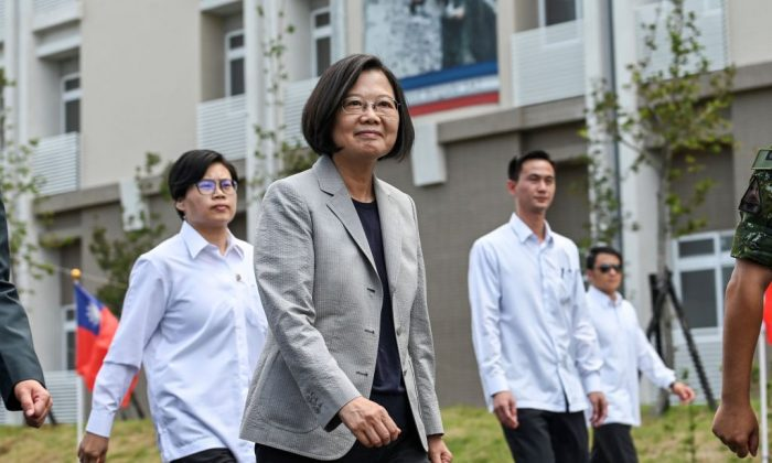 Taiwanese President Tsai Ing-wen (C) arrives at a military base in Hsinchu, northern Taiwan, on Sept. 10, 2019. (Sam Yeh/AFP/Getty Images)