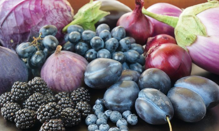 Common fruits and vegetables rich in anthocyanins include blueberries, black grapes, raisins, blackberries, plums, purple cabbage, eggplant, purple cauliflower and purple potatoes. (Kitamin/Shutterstock)