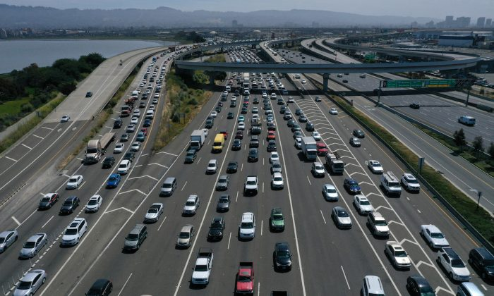 Traffic backs up at the San Francisco-Oakland Bay Bridge toll plaza along Interstate 80 in Oakland, Calif., on July 25, 2019. (Justin Sullivan/Getty Images)