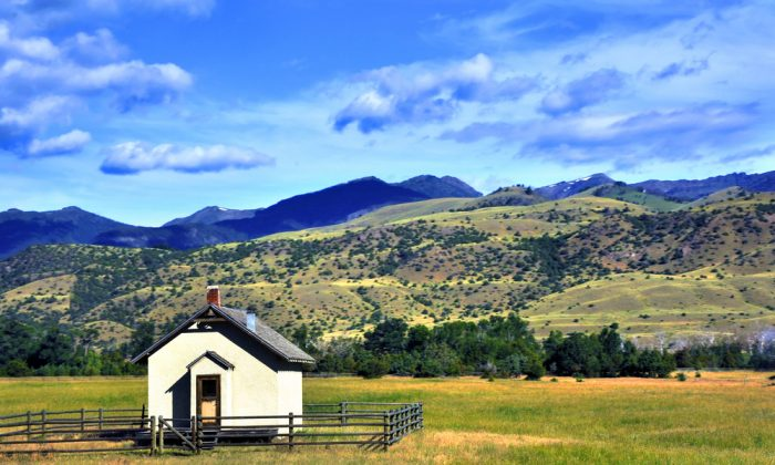A one-room schoolhouse in Paradise Valley, Mont. (Shutterstock)
