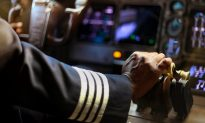 Commercial Aircraft Cleaner Worked His Way Up to Become a Pilot 24 Years Later