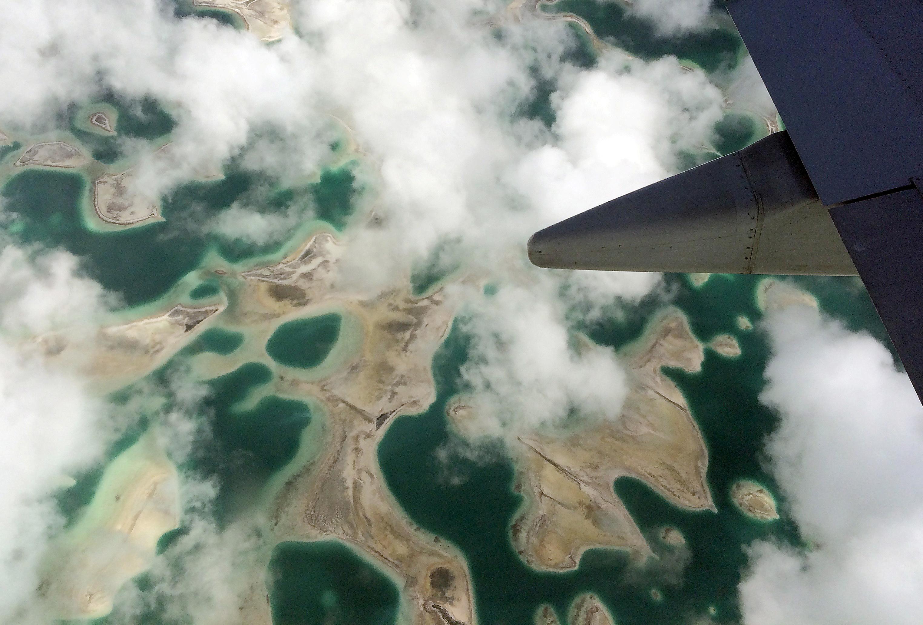 Kiribati cuts ties with Taiwan