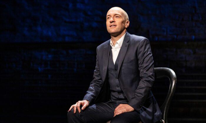 "Mentalist Derren Brown makes a cordial host in his one-man show ""Derren Brown: Secret."" (Matthew Murphy)"