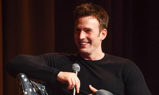 'Captain America' Chris Evans Tells All About His Wish to Get Married and Have Kids