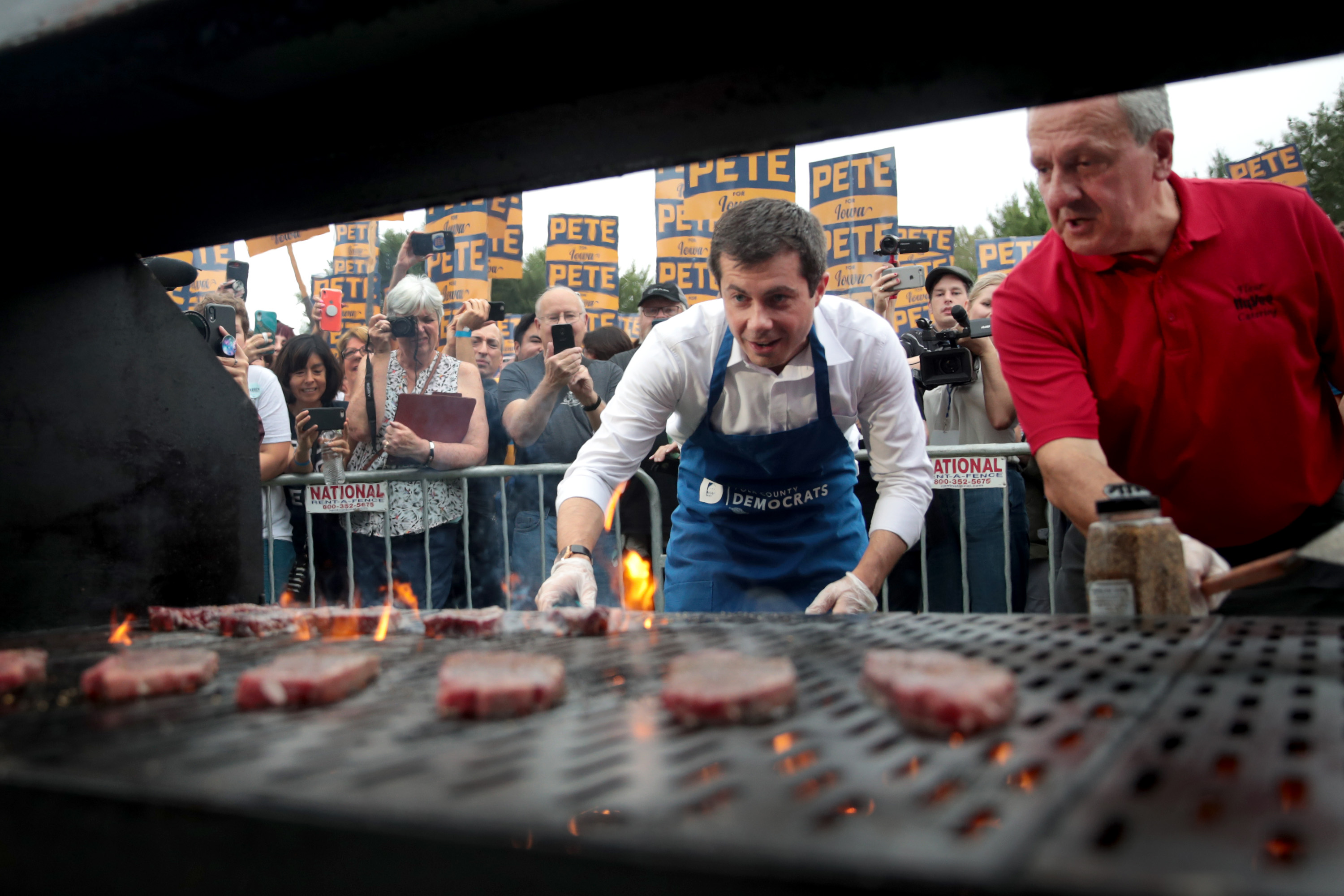 2020 Dems Who Warned About Eating Meat Rally Support at Steak Fry in Iowa