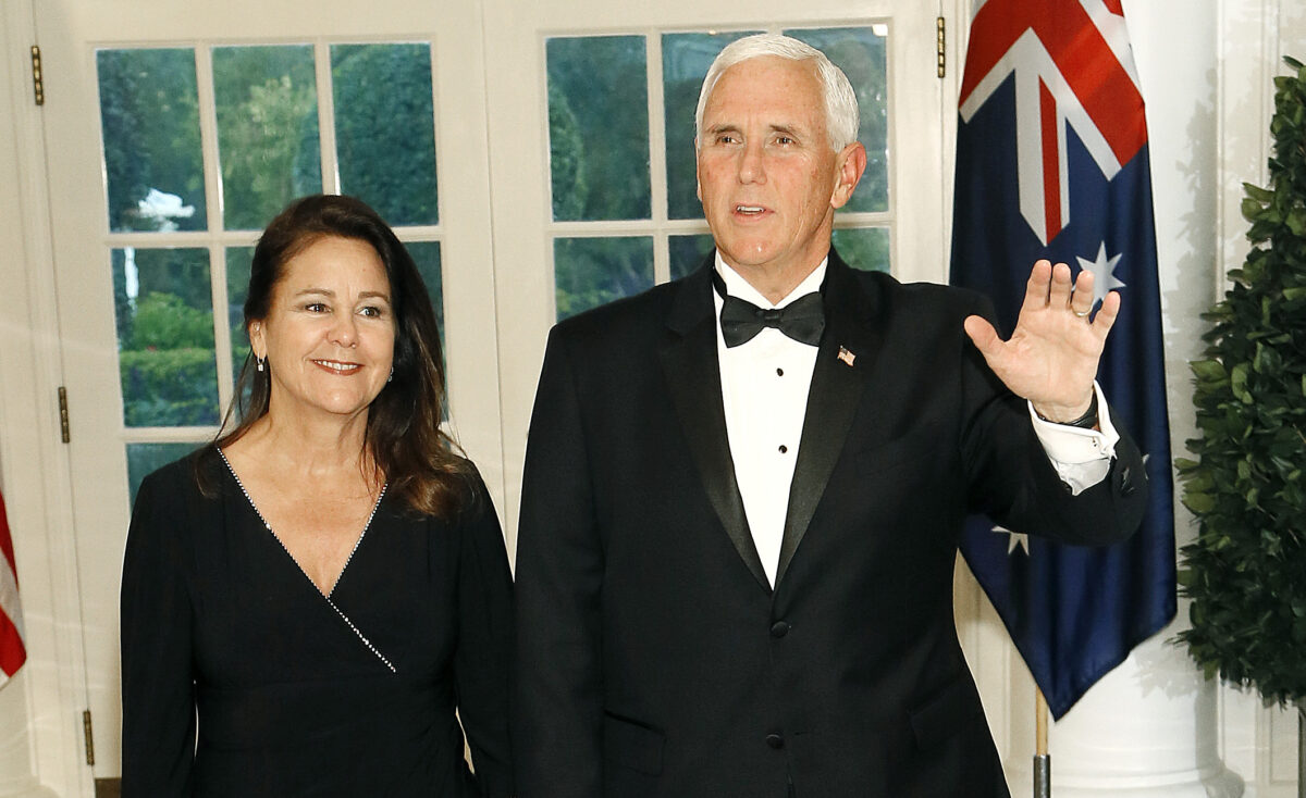 Pence and wife Karen at state dinner