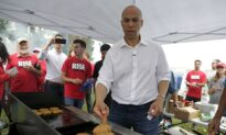Cory Booker Urges People to Donate to Campaign, Says $1.7 Million Needed to Keep Him in the Race