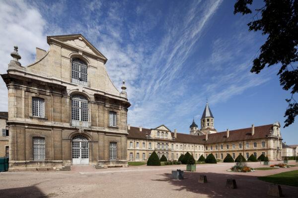 Abbaye de Cluny, bâtiment conventuel, façade sur jardin
