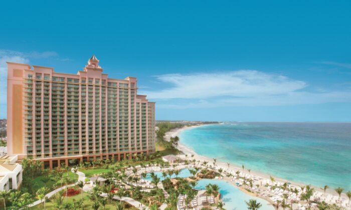 The Reef at Atlantis on Paradise Beach. (Courtesy of Nassau Paradise Island Promotion)