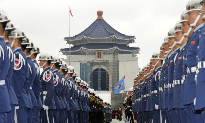 Taiwan military honor guards line up in front of the Chiang kai-shek Memorial Hall to welcome President of the Marshall Islands Christopher Loeak in Taipei on March 27, 2013. (Sam Yeh/AFP/Getty Images)